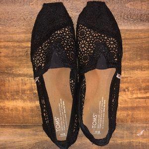 Size 8 Women's Toms - Black Classic Crochet